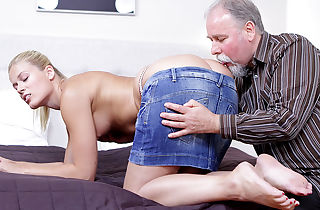 After getting her vulva gobbled it is only fair she blow on this aged guy's cock!